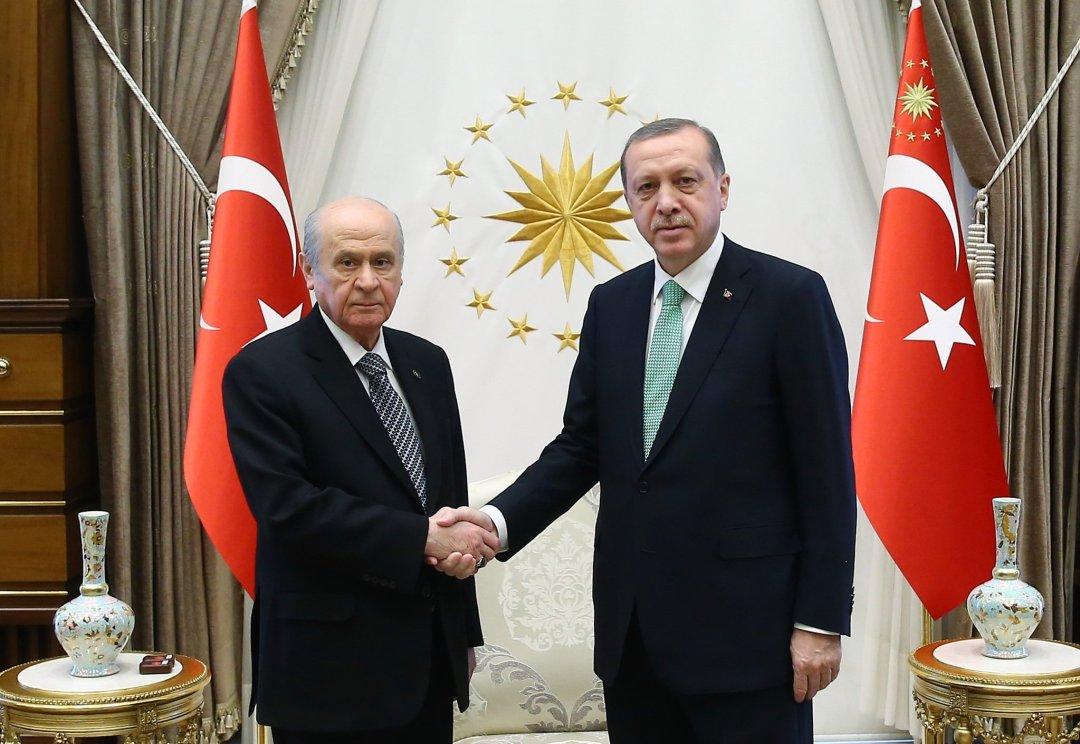 0x0-cumhurbaskani-erdogan-devlet-bahceli-ile-gorustu-1478183575939