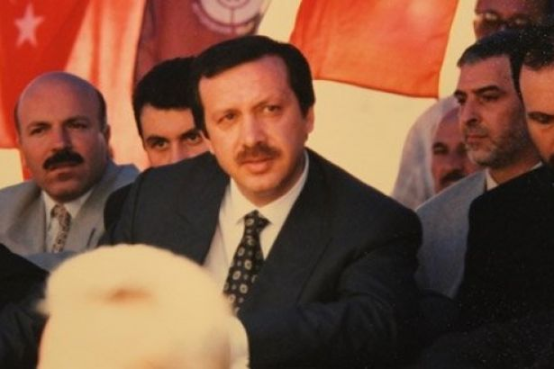 iste-dunden-bugune-cumhurbaskani-recep-tayyip-erdogan-in-yasami-ve-siyasi-kariyeri_11519646867